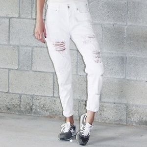 Brandy Melville White Ripped Mom Jeans
